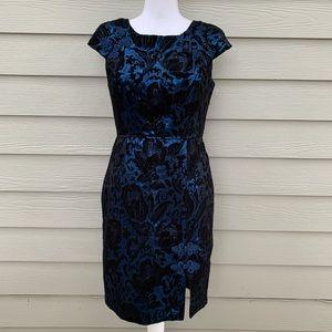 Eva Franco Dresses - Eva Franco Floral Brocade Metallic Sheath Dress